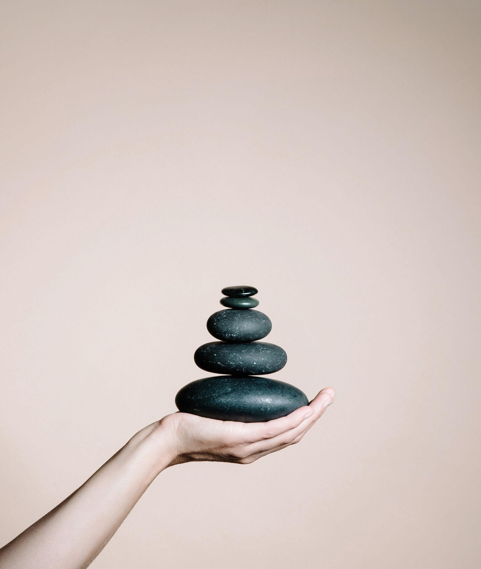 Deep-Relax-Stone-Massage